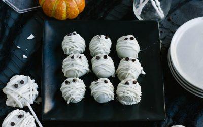Halloween Oreo Mummies